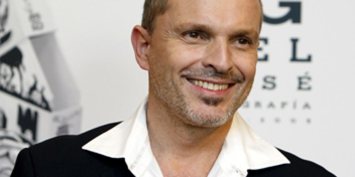 Miguel Bosé durante la presentación de Bosegrafia 1986 - 2005