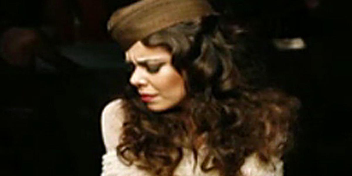 Beatriz Luengo en el videoclip de Dime