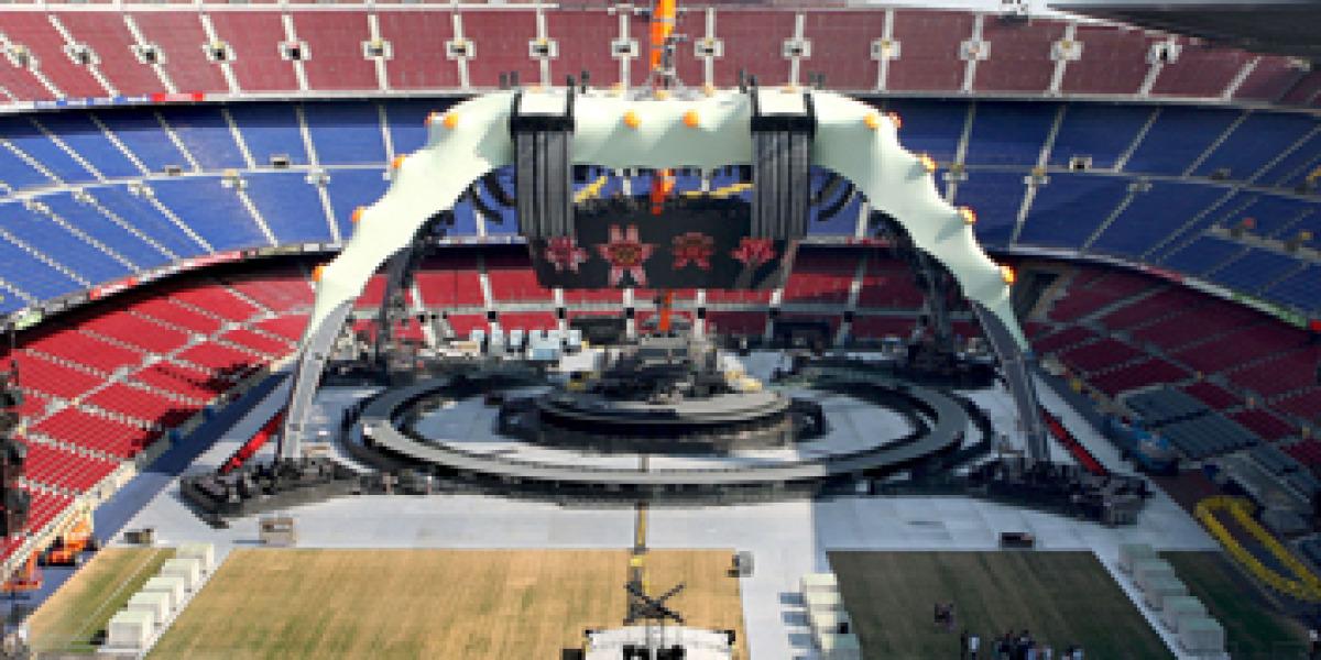 El escenario de U2 en el Camp Nou de Barcelona