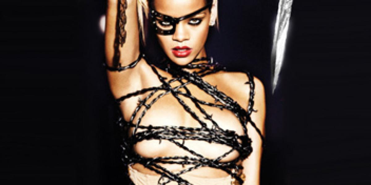 Rihanna en la portada de Russian Roulette