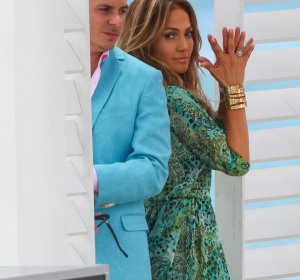 Pitbull y Jennifer Lopez en 'Live it up'