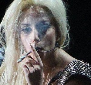 Lady Gaga fumó marihuana en su concierto de Amsterdam