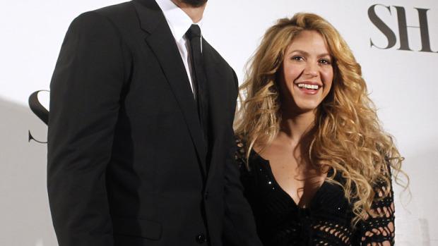 Shakira presenta junto a Piqué su nuevo disco