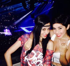 Irene Díaz y Alejandra Castelló de Levántate y Cárdenas en el concierto de Miley Cyrus