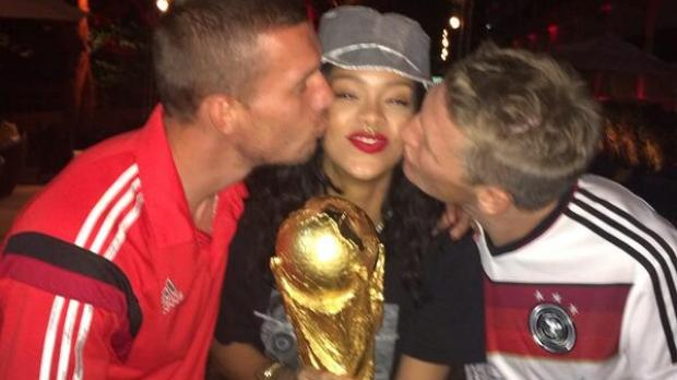 Rihanna celebra la final del Mundial de Brasil 2014 en el Maracaná