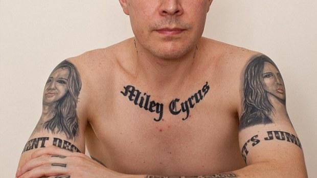 Tiene 29 tatuajes de Miley Cyrus y ahora se arrepiente
