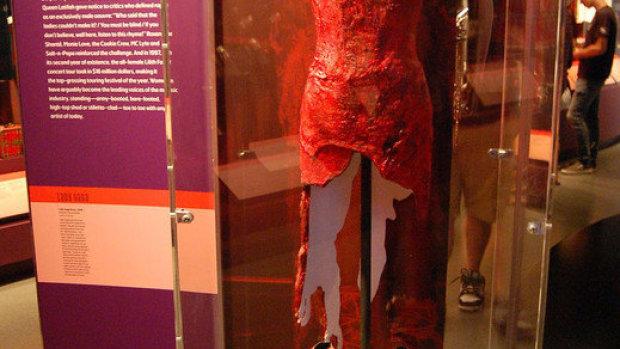 El vestido de carne de Lady Gaga cinco años después